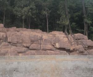 亚联护坡假山
