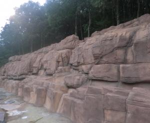 亚联护坡假山-水泥假山制作