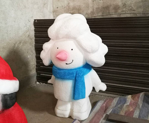 雪人泡沫雕塑