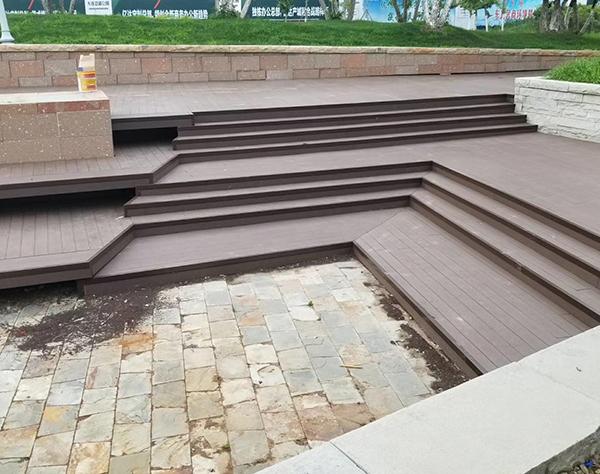 大连塑木地板花样铺装