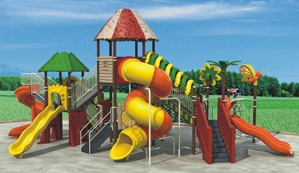 一般包括操场地面,游泳池,沙地,幼儿园游乐设施,荡船,蹦蹦床